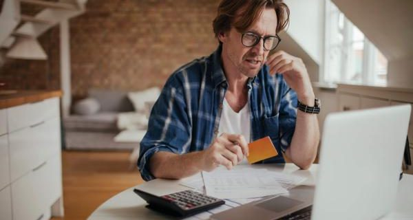 Como sair da dívida do cartão de crédito (foto: internet)